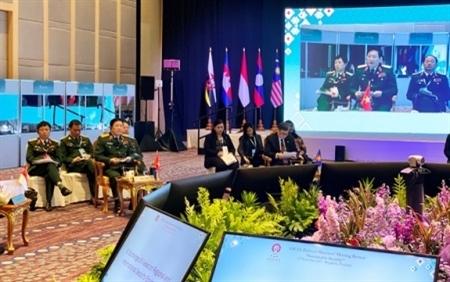 Đại tướng Ngô Xuân Lịch dự Hội nghị hẹp Bộ trưởng Quốc phòng các nước ASEAN