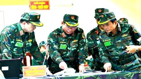 首都河内弘扬英雄传统着力建设坚固的防备区