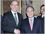 Chủ tịch Quốc hội Nguyễn Sinh Hùng kết thúc tốt đẹp chuyến thăm chính thức Liên bang Thụy Sĩ, lên đường thăm I-ta-li-a