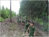 Lực lượng vũ trang tỉnh Cà Mau thực hiện công tác dân vận