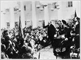 Vững bước theo con đường của Cách mạng Tháng Mười