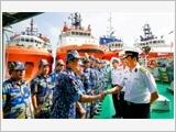 Hải đoàn 129 đồng hành cùng ngư dân vươn khơi, bám biển
