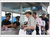 Bộ đội Biên phòng cửa khẩu cảng Đà Nẵng thực hiện công tác vận động quần chúng theo lời Bác Hồ dạy
