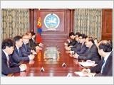 Thủ tướng Nguyễn Xuân Phúc hội kiến Chủ tịch Quốc hội Mông Cổ