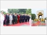 Lãnh đạo Đảng, Nhà nước dâng hương tưởng niệm các Anh hùng liệt sĩ và vào Lăng viếng Chủ tịch Hồ Chí Minh