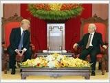 Tổng Bí thư Nguyễn Phú Trọng tiếp; Chủ tịch nước Trần Ðại Quang đón, hội đàm; Thủ tướng Nguyễn Xuân Phúc hội kiến Tổng thống Hoa Kỳ Đô-nan Trăm