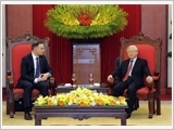 Tổng Bí thư tiếp; Chủ tịch nước đón, hội đàm; Thủ tướng hội kiến Tổng thống Ba Lan