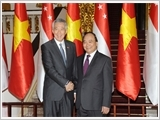Tổng Bí thư, Chủ tịch nước tiếp; Thủ tướng Chính phủ đón, hội đàm; Chủ tịch Quốc hội hội kiến Thủ tướng Xin-ga-po Lý Hiển Long
