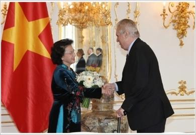 Chủ tịch Quốc hội Nguyễn Thị Kim Ngân hội kiến các nhà lãnh đạo Cộng hòa Séc