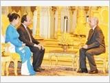 Thủ tướng Nguyễn Xuân Phúc yết kiến Quốc vương Cam-pu-chia Nô-rô-đôm Xi-ha-mô-ni