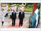Tổng Bí thư tiếp; Chủ tịch nước đón, hội đàm; Thủ tướng, Chủ tịch Quốc hội hội kiến Toàn quyền Ô-xtrây-li-a