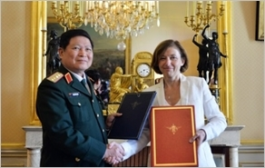 Việt Nam và Cộng hòa Pháp ký Tuyên bố Tầm nhìn chung về hợp tác quốc phòng giai đoạn 2018-2028