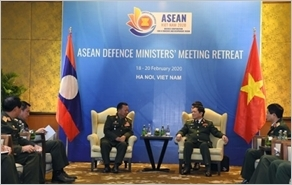 Đại tướng Ngô Xuân Lịch gặp song phương Bộ trưởng Quốc phòng Lào và Bộ trưởng Quốc phòng Australia