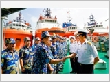 129th Naval Fleet accompanies fishermen's offshore fishing