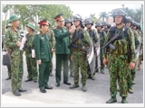 """Ha Nam Provincial Armed Forces focus on building comprehensively strong, """"exemplary and typical"""" units"""
