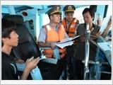 越南渔检力量与渔民同行