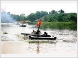 全军继续提高训练和战备质量