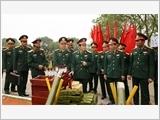 全军继续深入提高训练和备战质量