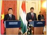 Chủ tịch nước Trương Tấn Sang hội đàm với Tổng thống Hung-ga-ri
