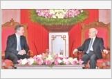 Tổng Bí thư, Chủ tịch nước tiếp; Thủ tướng đón, hội đàm với Thủ tướng Liên hiệp Vương quốc Anh và Bắc Ai-len