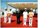 """""""河内""""号HQ-182和""""胡志明市""""号HQ-183潜艇举行升旗仪式"""