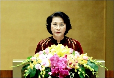 越南国会与新形势下加强国防建设和卫国事业