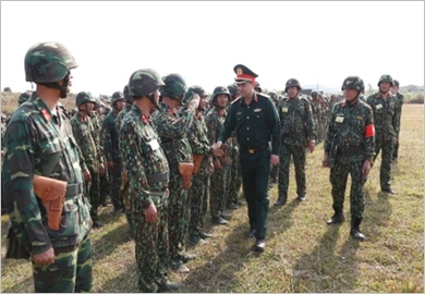 第一军区武装力量继续提高训练质量
