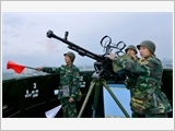 Hanoi armed forces strengthen their pivotal role in building the posture of people's air defense in defensive areas