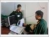 Sử dụng trang thiết bị hiện đại khám, kiểm tra sức khỏe bộ đội trên đảo