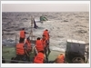 Cứu hộ tàu ngư dân bị nạn trôi dạt trên biển
