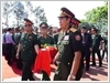 Thượng tướng Lê Chiêm, Thứ trưởng Bộ Quốc phòng, và Thiếu tướng Si Tha Đuông Ma La, Cục trưởng Cục Chính sách Quân đội nhân dân Lào di chuyển hài cốt liệt sĩ hy sinh tại Lào về an táng tại Nghĩa trang Liệt sĩ huyện Nghi Lộc, Nghệ An