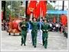 Thanh niên nhập ngũ quận Hà Đông rước đuốc thắp lửa truyền thống