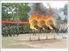 Lực lượng trinh sát đặc nhiệm Bộ Chỉ huy Quân sự tỉnh Quảng Ninh trình diễn vượt vòng lửa.