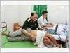 Thiếu tướng, PGS,TS. Phạm Nguyên Sơn, Phó Giám đốc Bệnh viện Trung ương Quân đội 108 khám bệnh cho đối tượng chính sách xã Đại Hưng, huyện Mỹ Đức, thành phố Hà Nội