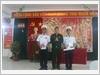 Phóng viên Tạp chí Quốc phòng toàn dân tặng quà cán bộ, chiến sĩ đảo Đá Thị