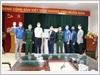 Đoàn Thanh niên Đại học Quốc gia Hà Nội tặng trang thiết bị, vật tư y tế cho Trung tâm