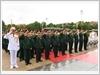Quân ủy Trung ương và đại diện các đại biểu dự Đại hội đặt vòng hoa vào Lăng viếng Chủ tịch Hồ Chí Minh.