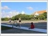 Trẻ em vui đùa trên đảo Trường Sa Lớn
