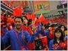 数千中国青年热烈欢迎越南青年代表团(图片来源: 人民军队报)