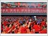 """越南青年代表团入场时,中国青年齐聚同声""""越南、越南,中国、中国"""" (图片来源: 人民军队报)"""